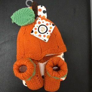 Little Me: Halloween Infant hat & booties set